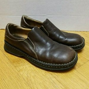 Born women's size 10 brown leather loafer shoes